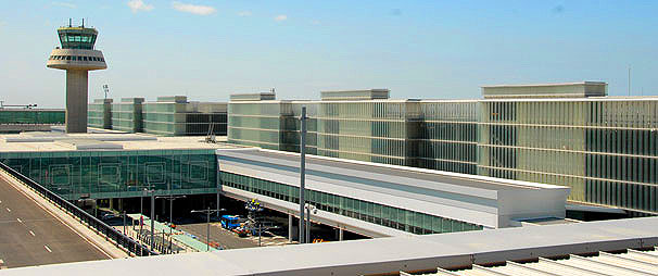 Barcelona airport image